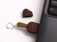 8 GB Chocolate Ice Cream Sandwich USB Flash Drive